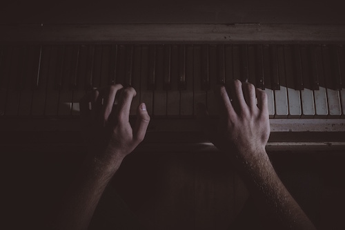 hands-music-musician-piano-large